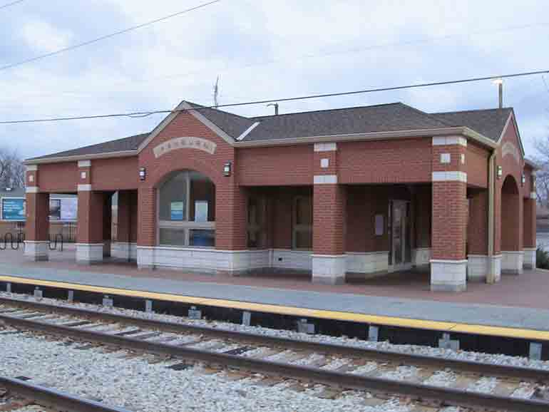 chicago south side neighborhood metra station in ashburn wright