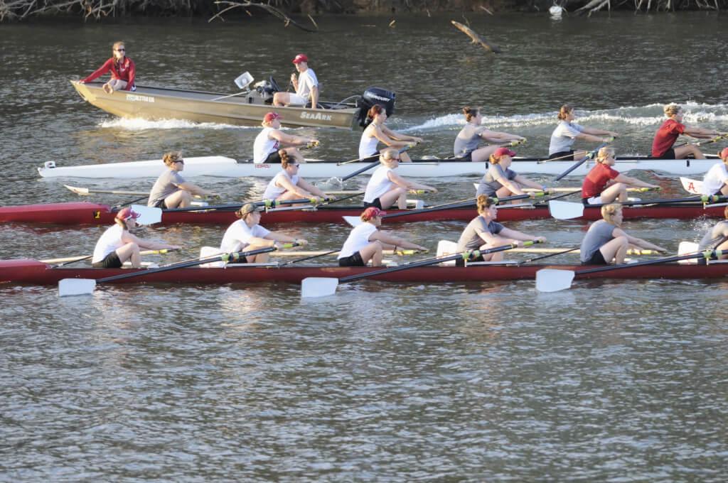 Rowing in Philadelphia Delaware River