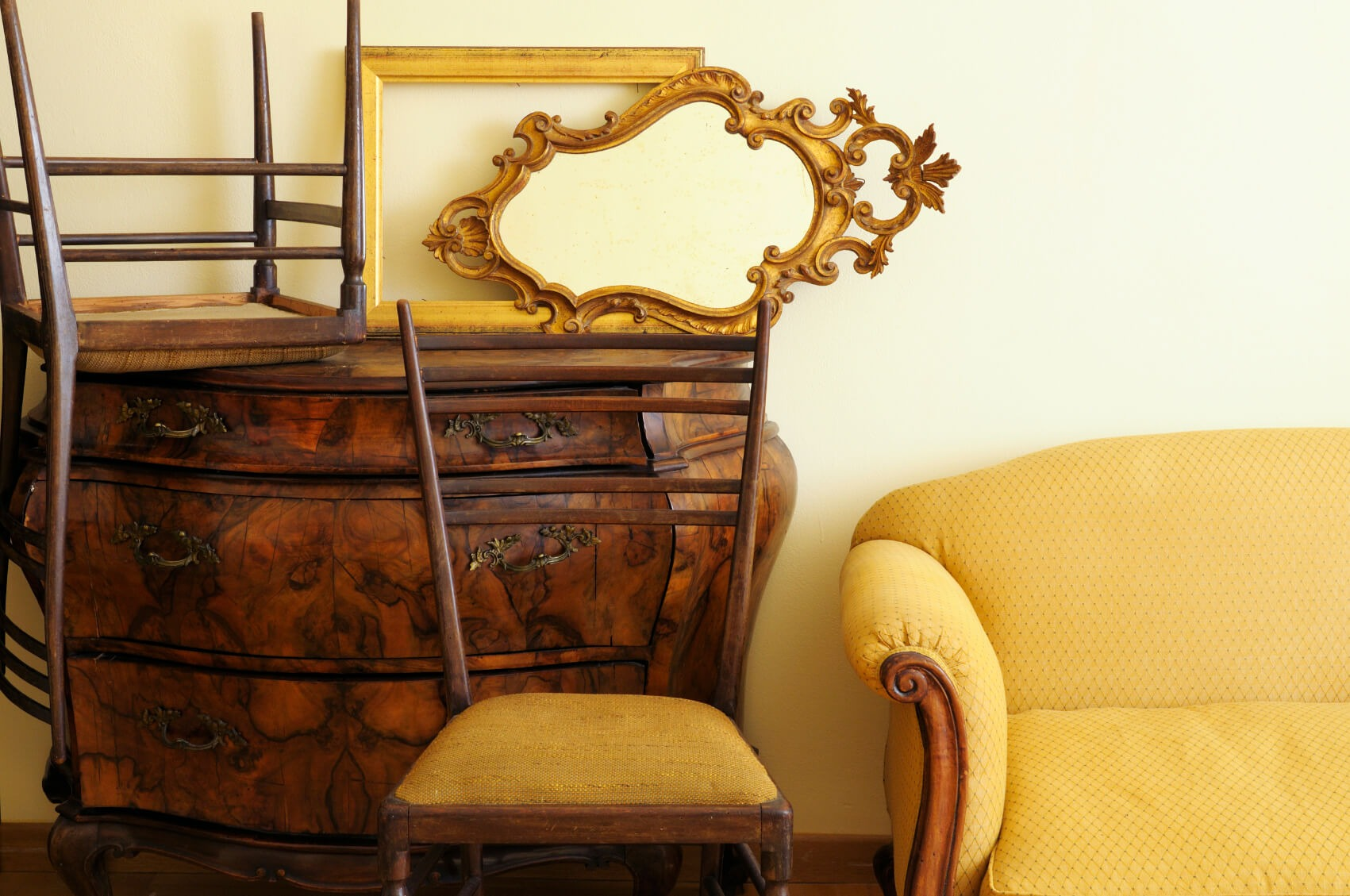 Storing Furniture Wooden Chairs