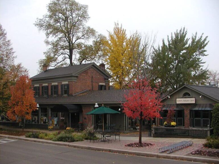 Fall photo of Town House Books & Cafe in St. Charles, IL